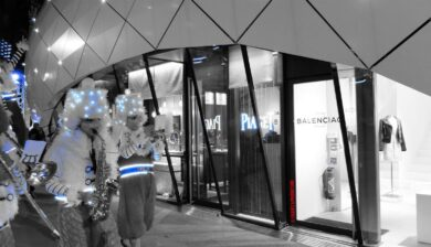 Paris entertainment company, Paris entertainment, Paris company, Paris, entertainment company in Paris